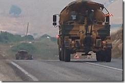 Comboio militar a caminho da fronteira com a Siria.Jun2012