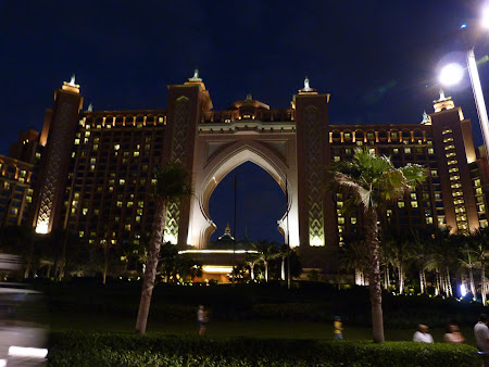 Obiective turistice Dubai: Hotel Atlantis noaptea