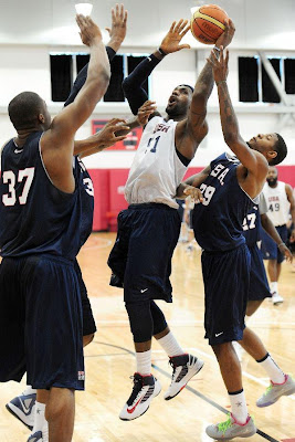 lebron james usa 120709 training camp 09 LeBron Unveils Both Lunar Hyperdunk and Soldier 6 During USAB Team Practice