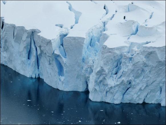 Antarctica_Glacier_03