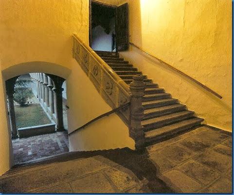 palacio Juan II escalera