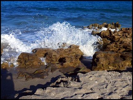 5b8a - Tour - Coral Cove - Surf on Rocks