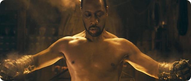L'uomo con i pugni di ferro – Daruma.View.Cinema