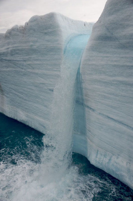 glacier-waterfalls-1