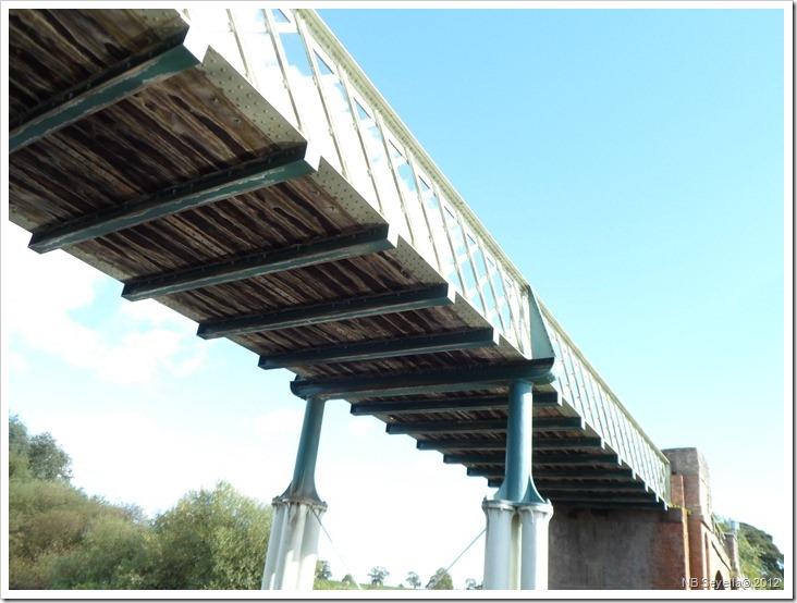 SAM_3337 Aldwark Toll Bridge