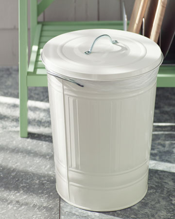 This garbage can's lid and metal construction will prevent fires from spreading. It's a good idea to layer multiple bin liners inside for easy clean-up. That way you won't have to keep replacing trash bags.