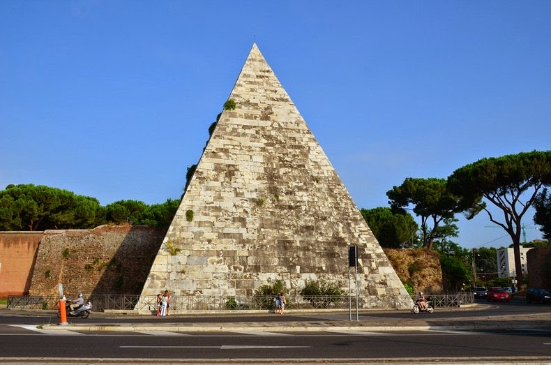 pyramid-of-cestius-1