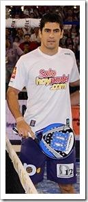 El jugador Maxi Sánchez y la pala Flash BLX de Wilson juntos camino hacia el éxito.