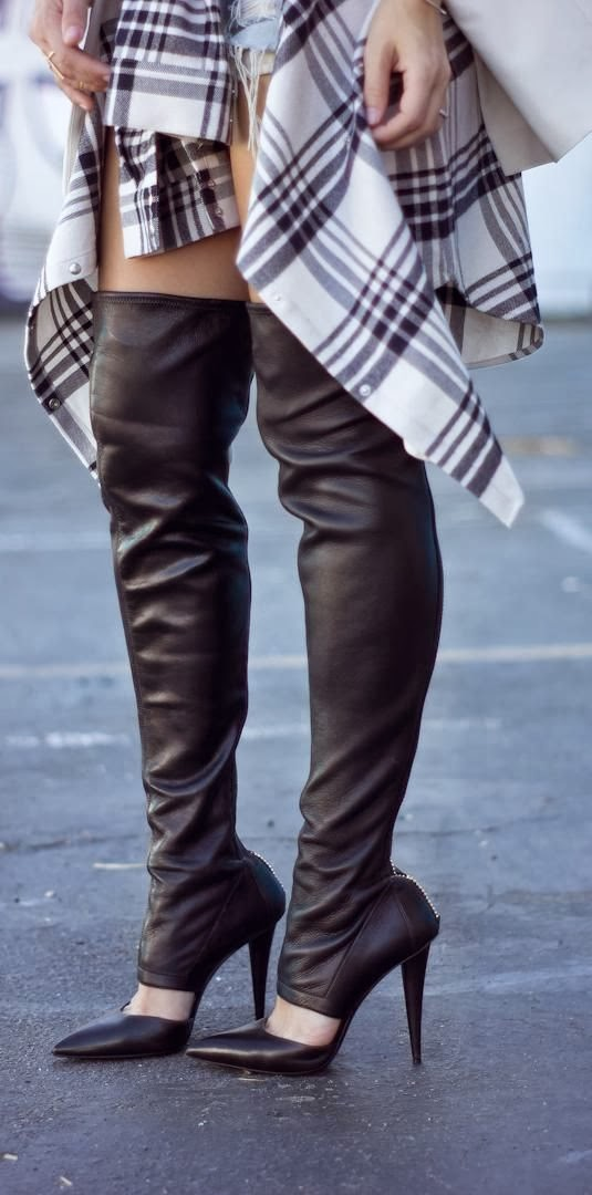 Over The Knee Boots Style Dosn 39 T Mean Luxury