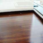 Tablón de madera maciza para interiores . Piso de madera en Sapán.JPG