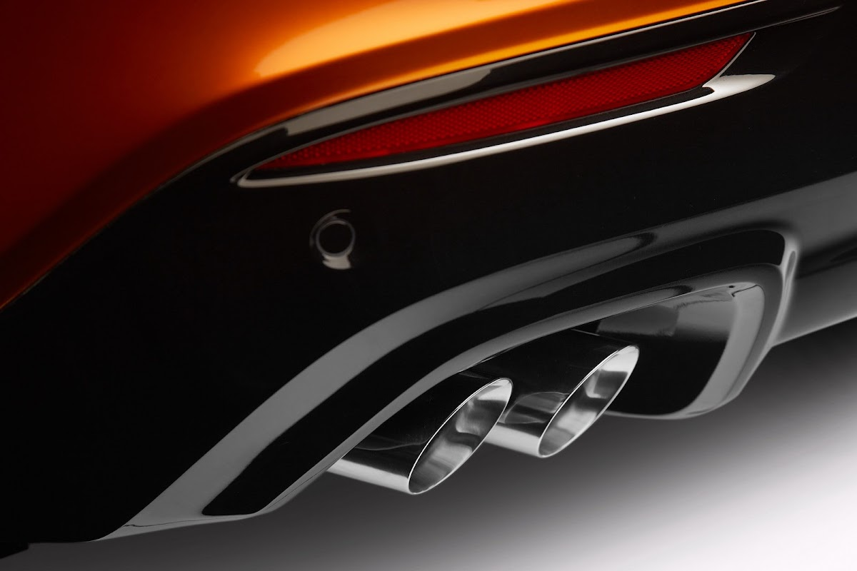 Holden unwraps new commodore ss v previews 2014 chevrolet ss w 2014 holden commodore ssv 8 vanachro Images