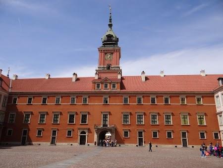 16. Curtea Interioara din Palatul Regal.JPG