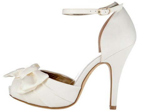 open-toe-bow-sandal
