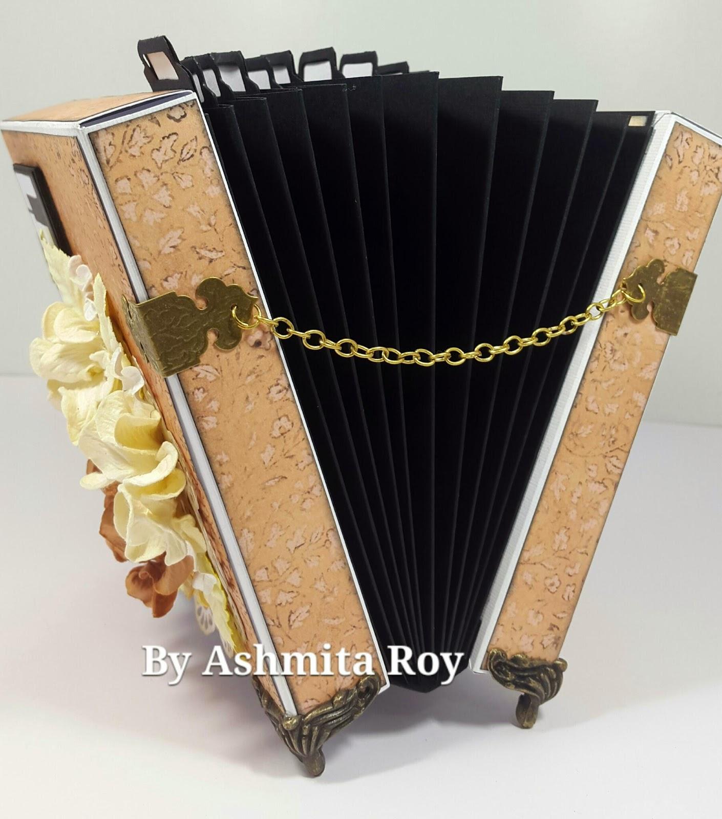 Art some craftAn Accordion Tag Box