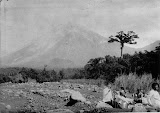 Gunung Semeru (unknown photographer, 1890-1900) Courtesy TropenMuseum Archives