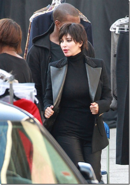 Kim Kardashian Exclusive Short Haired Kim vQT_Dnoo4aGl