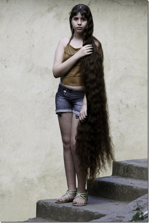 Longest-Hair-Of-12-Year-Old-Brazillian-Girl2