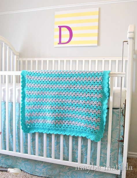 Pattern and photo tutorial to crochet a beautiful granny stripe baby blanket