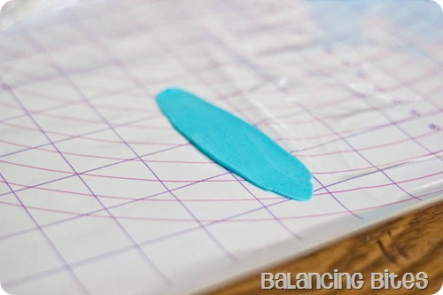 How to make a fondant or gum paste bow by Balancing Bites (11 of 23)
