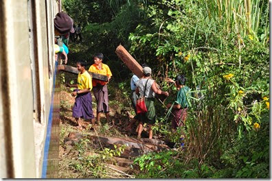 Burma Myanmar Train Gokteik Viaduct 131211_0120