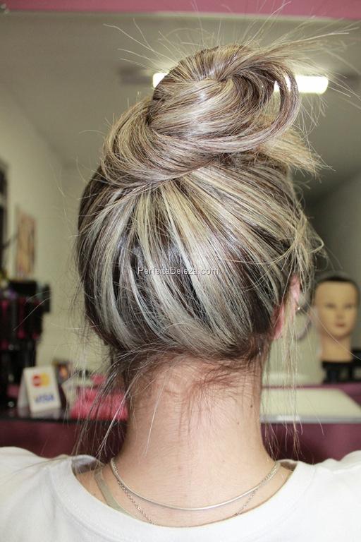 mechas loiras no cabelo