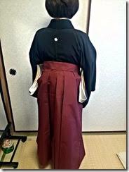 卒業式に向けて袴を手作り (3)