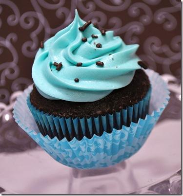 BLUE CUPCAKES (2)