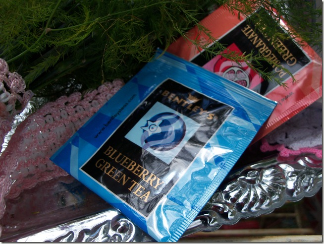 Carnation tea tray 004