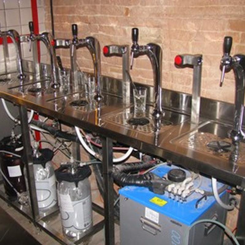 Набор стеклянных бутылок 0,5 литра с бугельными пробками