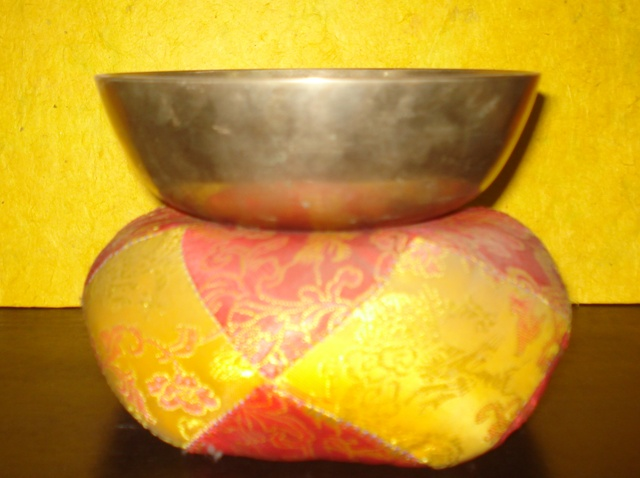 Singing bowl(gold singing bowl)
