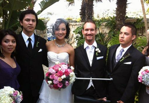 Ник Вуйчич и Канаэ Мияхара в день свадьбы