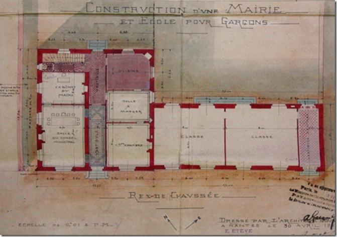 Au rez-de-chaussée la salle du conseil municipal et le bureau du maire (plan de 1908)