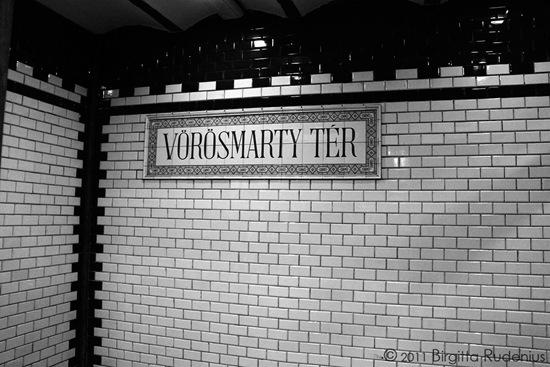metro_20110929_vorosmarty
