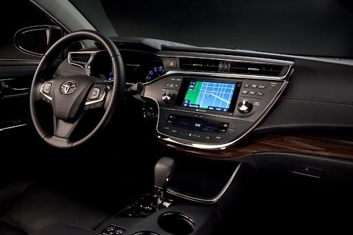 2013-Toyota-Avalon-09.jpg