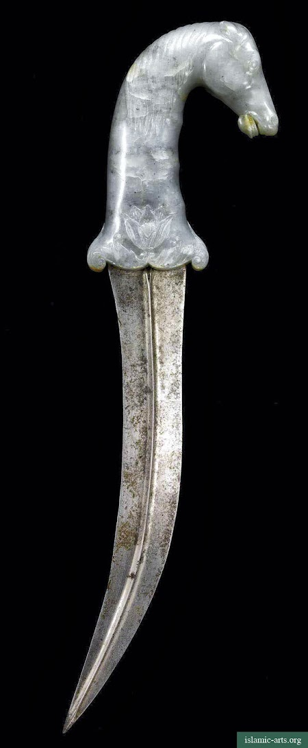 A MUGHAL HORSE-FORM JADE HILTED DAGGER, INDIA, 18TH-19TH CENTURY