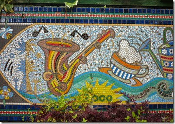 1 bling mural at willowtree wharf