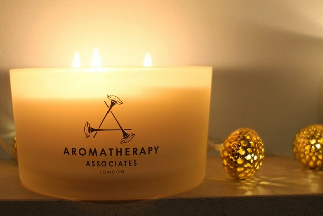 Aromatherapy-Associates-Christmas-Candle-2014