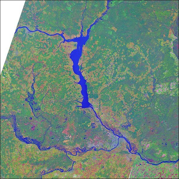 Puchezh-Katunki_crater_Russia_lansat