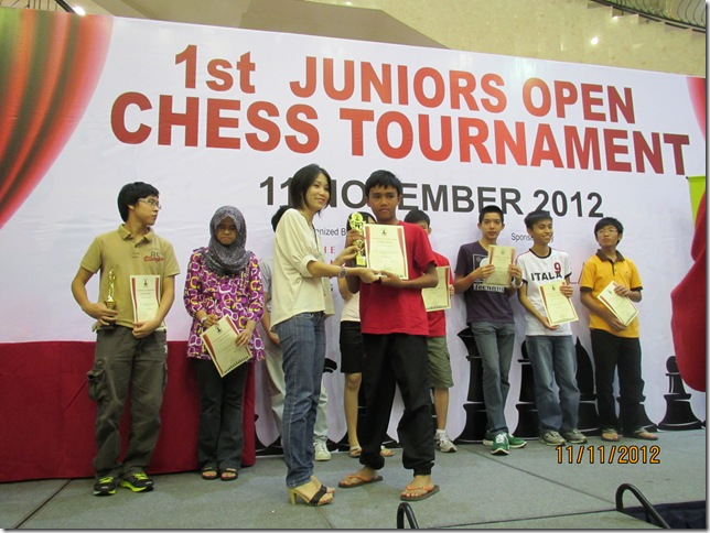 Muhd Irfan Haqqim b Azhar wins U-16 Summit Junior Open 2012