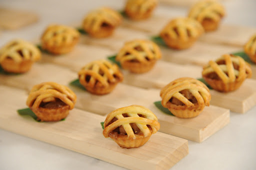 Peter also made these mini apple pies for the wedding's desert.
