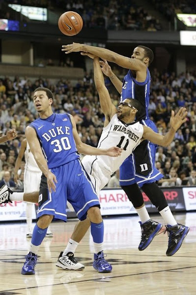 Wearing Brons Duke Blue Devils Bring Out Their LeBron X iDs
