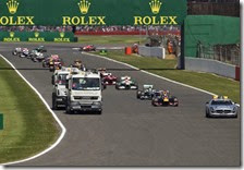 La safety car in pista nel gran premio di Gran Bretagna 2013