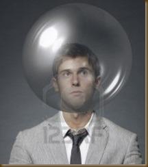 hombre en burbuja
