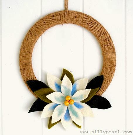 Felted Pointsettia Wreath - The Silly Pearl