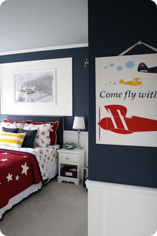 boy airplane room