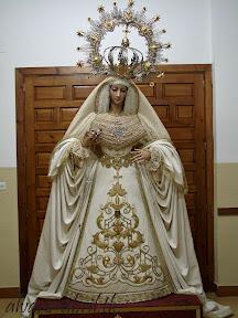 victoria-jaen-natividad-besamanos-rosario-veinticinco-aniversario-2012-alvaro-abril-(1).jpg
