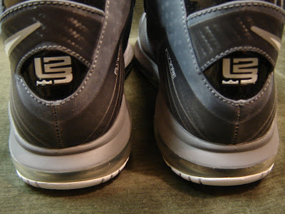 nike air max lebron 8 v2 cool grey sample 1 04 Nike LeBron 8 V/2 Cool Grey Sample Featuring Old LBJ23 Logo