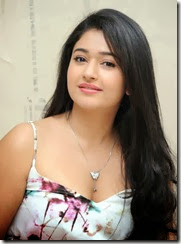Poonam_Bajwa_cute_photos