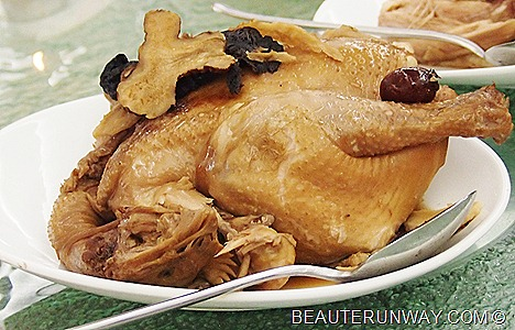 Old Hong Kong Essence Chinese Herbal Chicken with 10 types of herbs to boost immune system and reduce fatigue