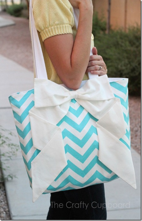 Zig Zag Bow Bag Shoulder Bag